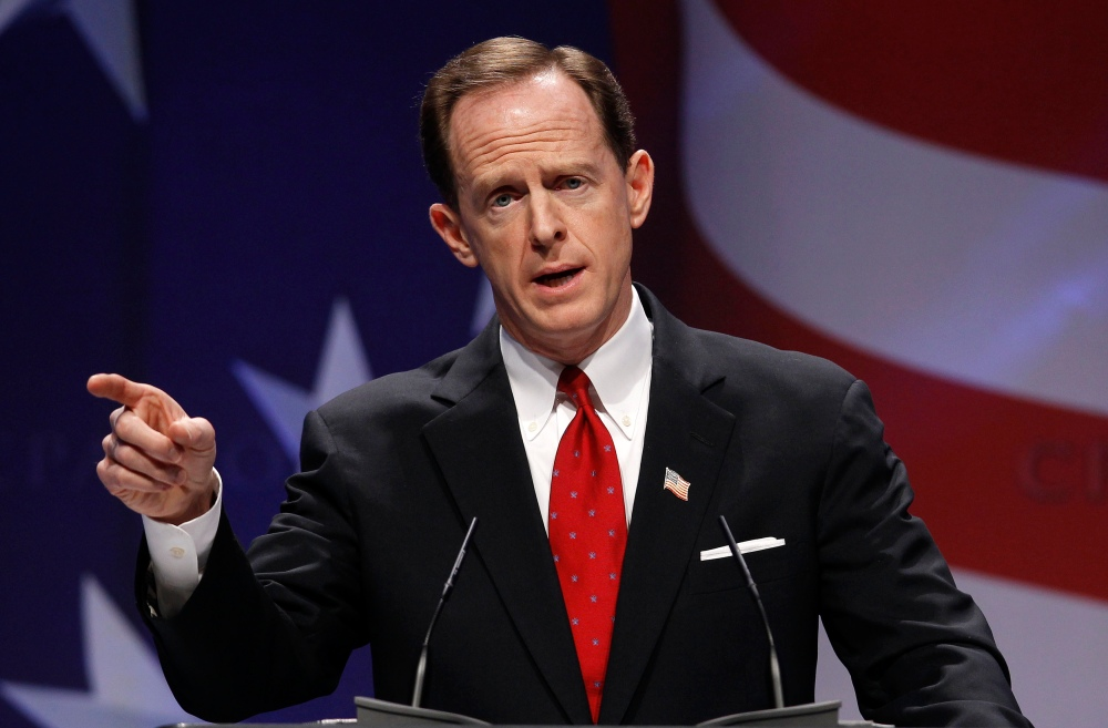 U.S. Senator Pat Toomey (R-PA) speaks to the 38th annual Conservative Political Action Conference meeting in Washington DC, U.S. February 10, 2011.   REUTERS/Larry Downing/File Photo - RTX2GDW7